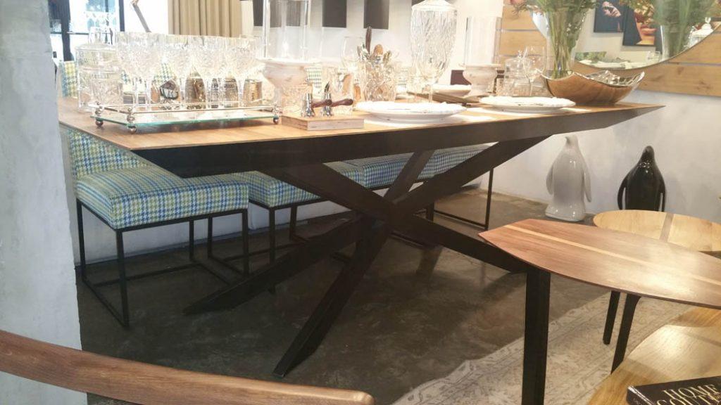 שולחן אוכל איירון