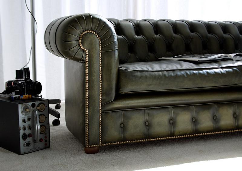 מערכת ישיבה דגם צ'סטרפילד בהזמנה אישית בצבע ירוק כהה