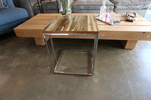 למכירה מתצוגה שולחן צד