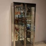 ויטרינה ברזל וזכוכית